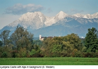 ljubljana-castle-with-alps-in-background-d.wedam